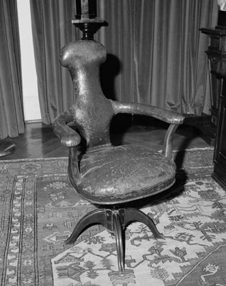freud_chair
